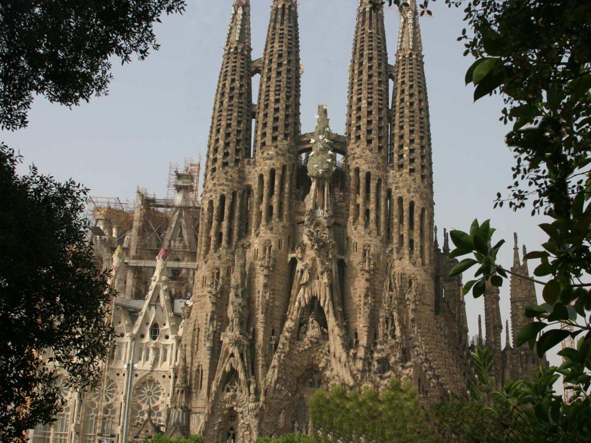Download Barcelona City Tour wallpaper HD wallpapers