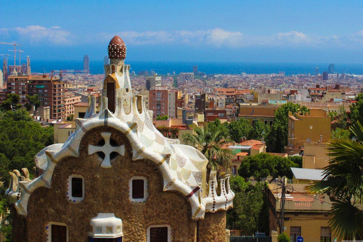 City Houses scenery of Barcelona city | city wallpaper