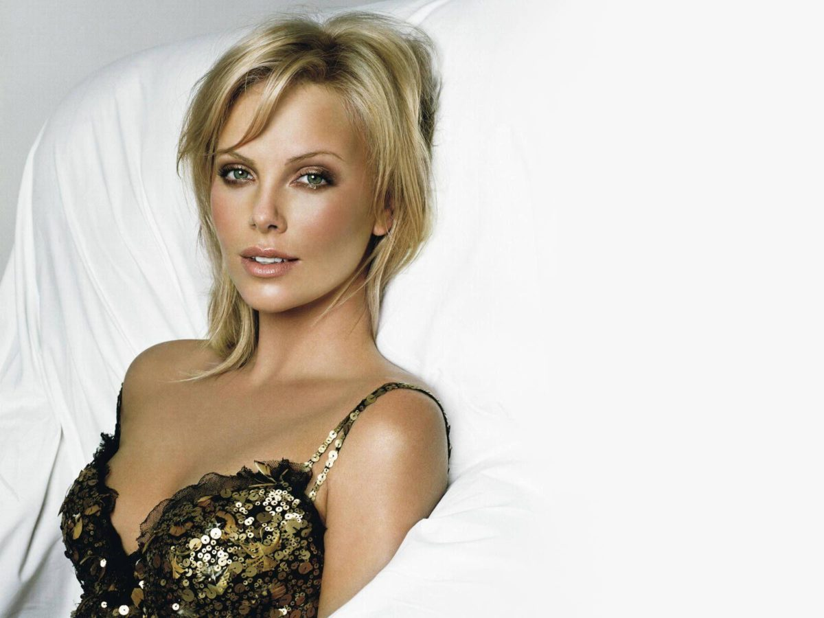 Charlize Theron Wallpapers in HD Gallery