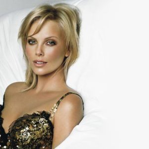 download Charlize Theron Wallpapers in HD Gallery