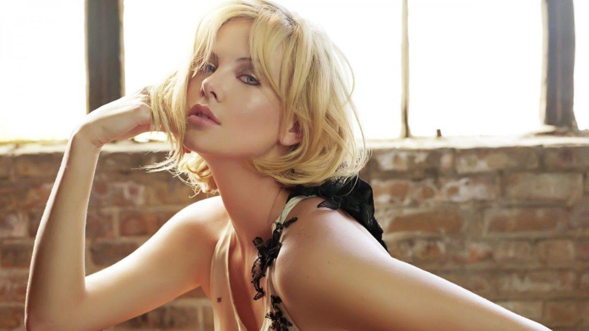 Beautiful Actress Charlize Theron widescreen wallpaper | Wide …