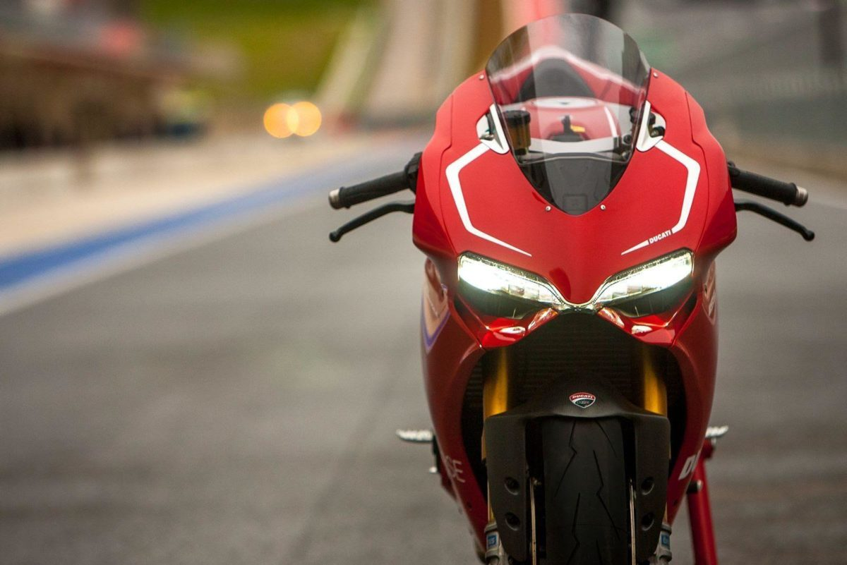 Ducati 1199 Panigale R Fly By & Termignoni Exhaust Sound Test