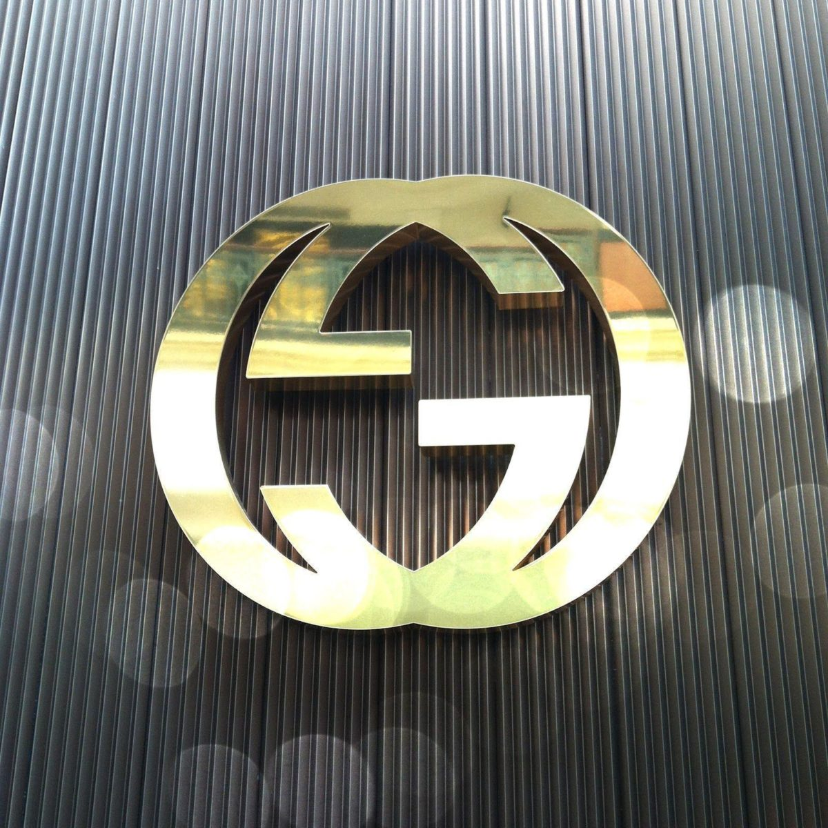 Gucci Logo Gold Cool Wallpapers