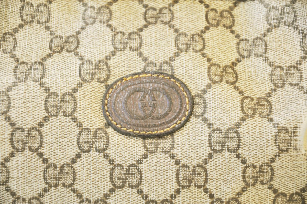 Gucci Logo – Viewing Gallery