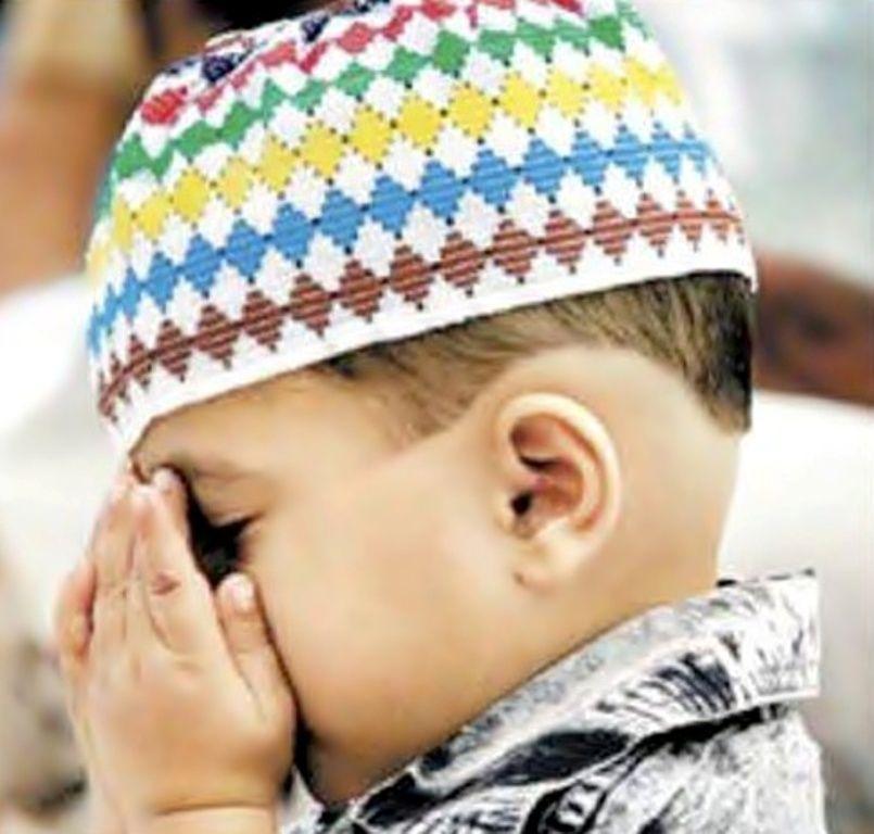 Muslim Babies Praying Photos – Islamic Baby Kids Wallpapers | 9 HD