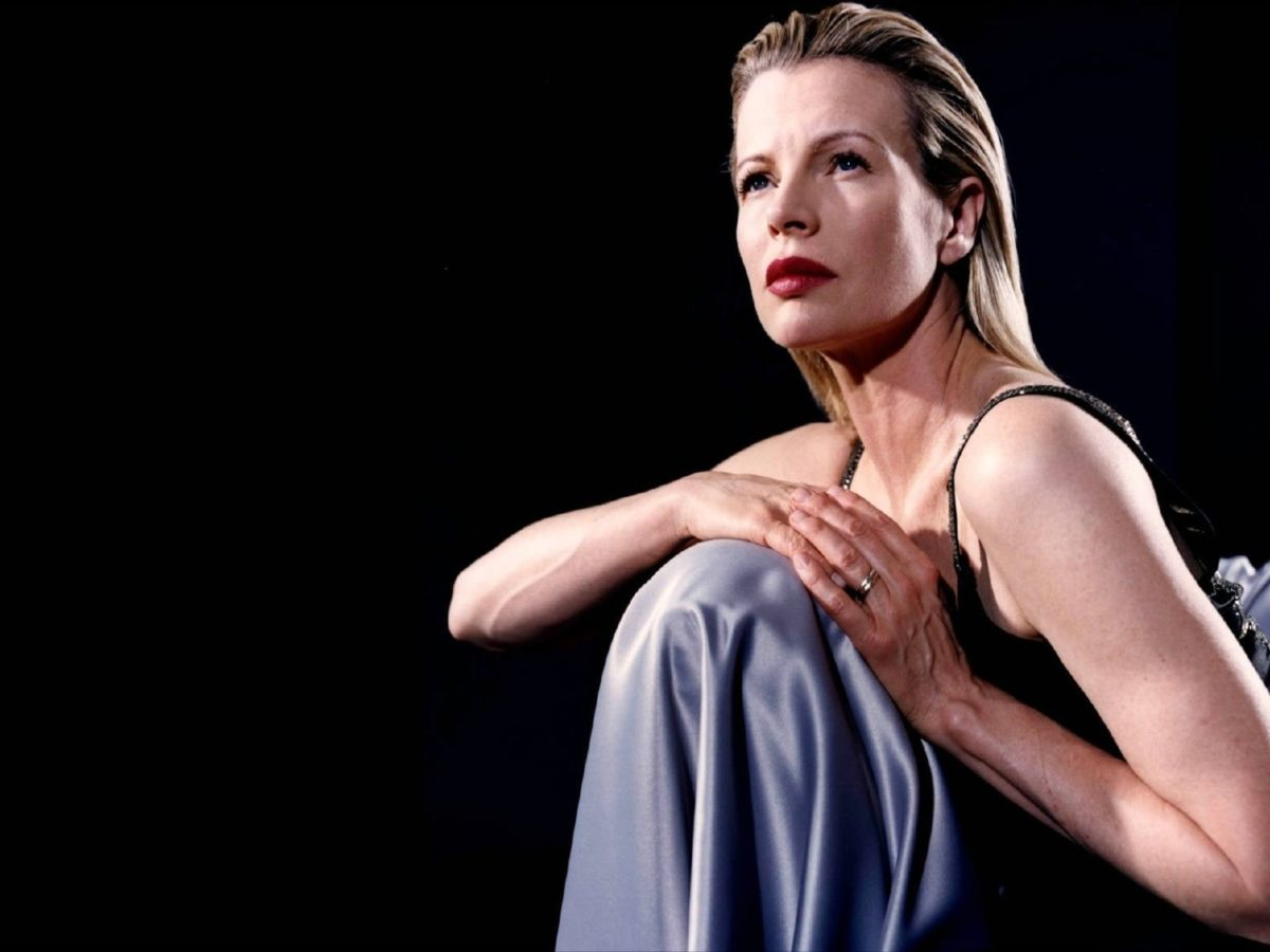 Kim Basinger Wallpapers High Quality | Download Free