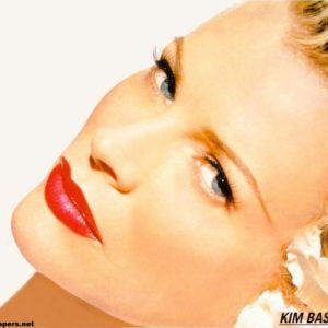 download Wallpapers Kim Basinger Celebrities