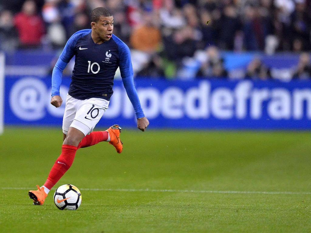 Matchs amicals » acutalités » Mbappe shines as France cruise past Russia