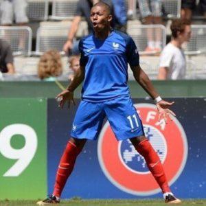 download https://www.lamula.fr/pepites-football-2-kylian-mbappe/ #Mbappé …