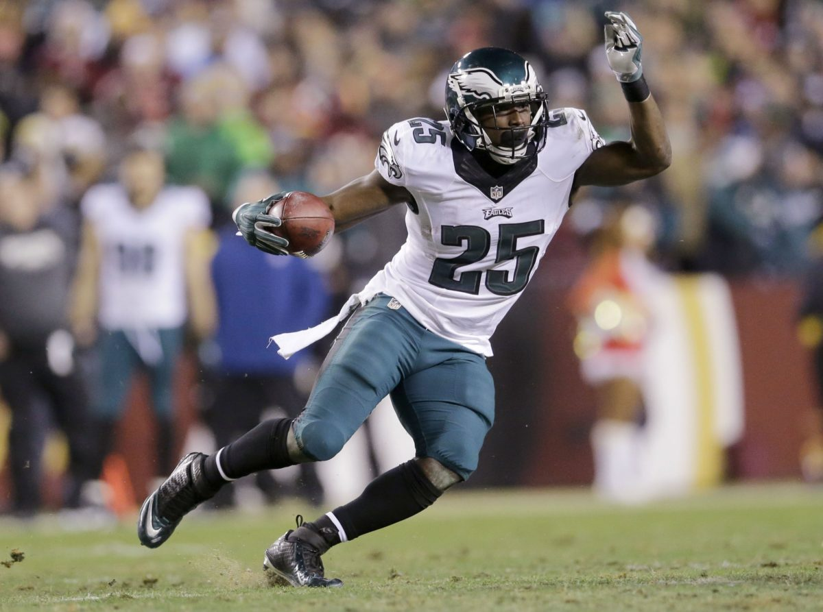 Eagles to trade running back McCoy to Buffalo for Alonso | The Japan …