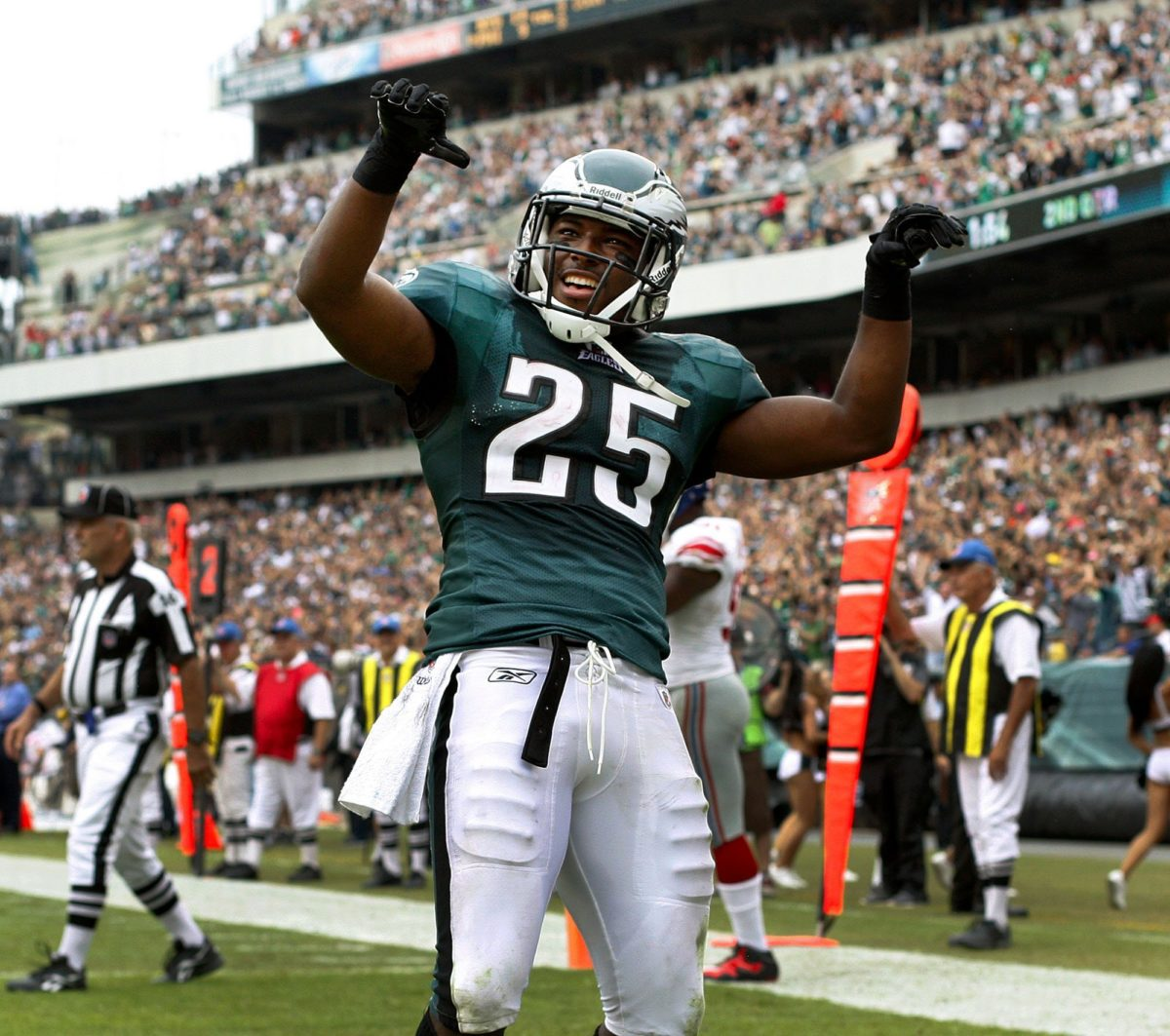 Philadelphia Eagles RB LeSean McCoy announces ALS charity event in …