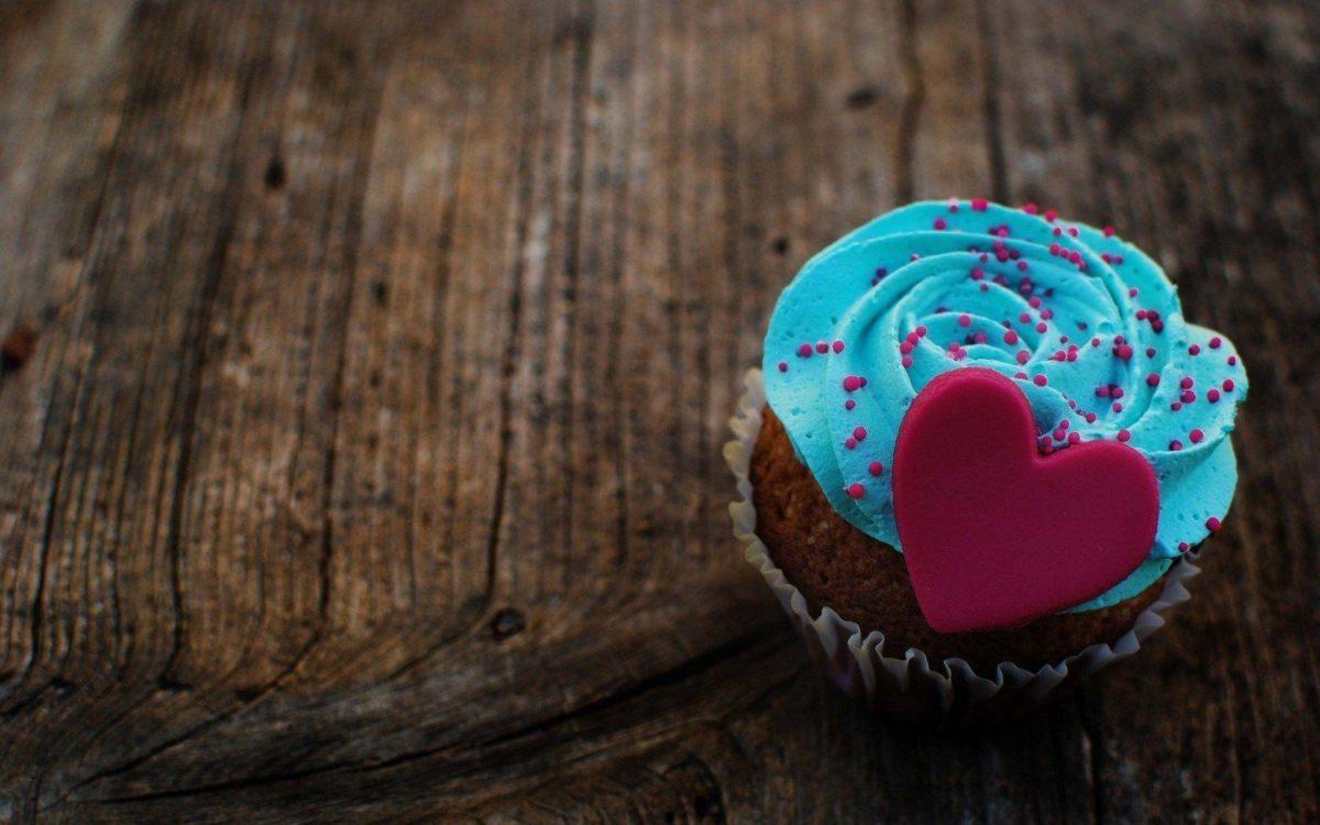 Marzipan Heart Cream Blue Dessert Cake Love HD Wallpaper – ZoomWalls