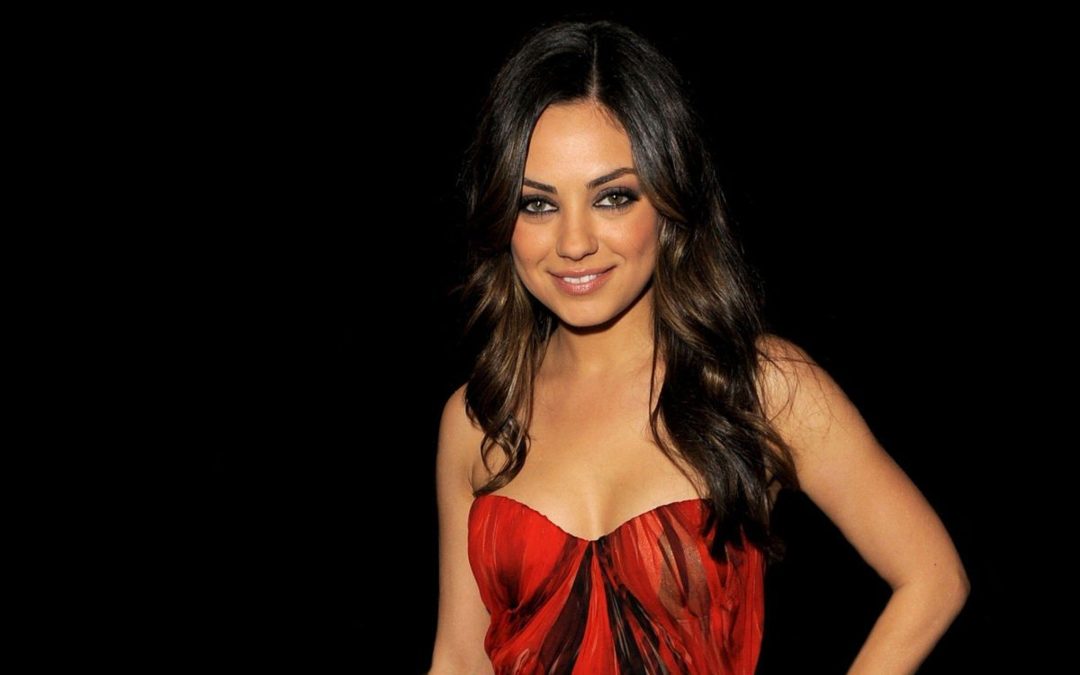 Images For > Mila Kunis Beautiful Wallpapers