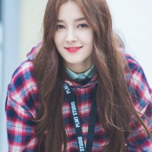 download Pin by tylerzlam on Momoland   Pinterest   K pop, Idol and Pop idol