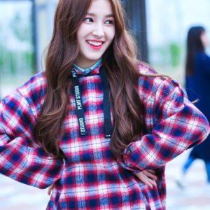 download Nancy (Momoland)   K P0P ✧✧✧゚✧゚   Pinterest   Yoona and Kpop