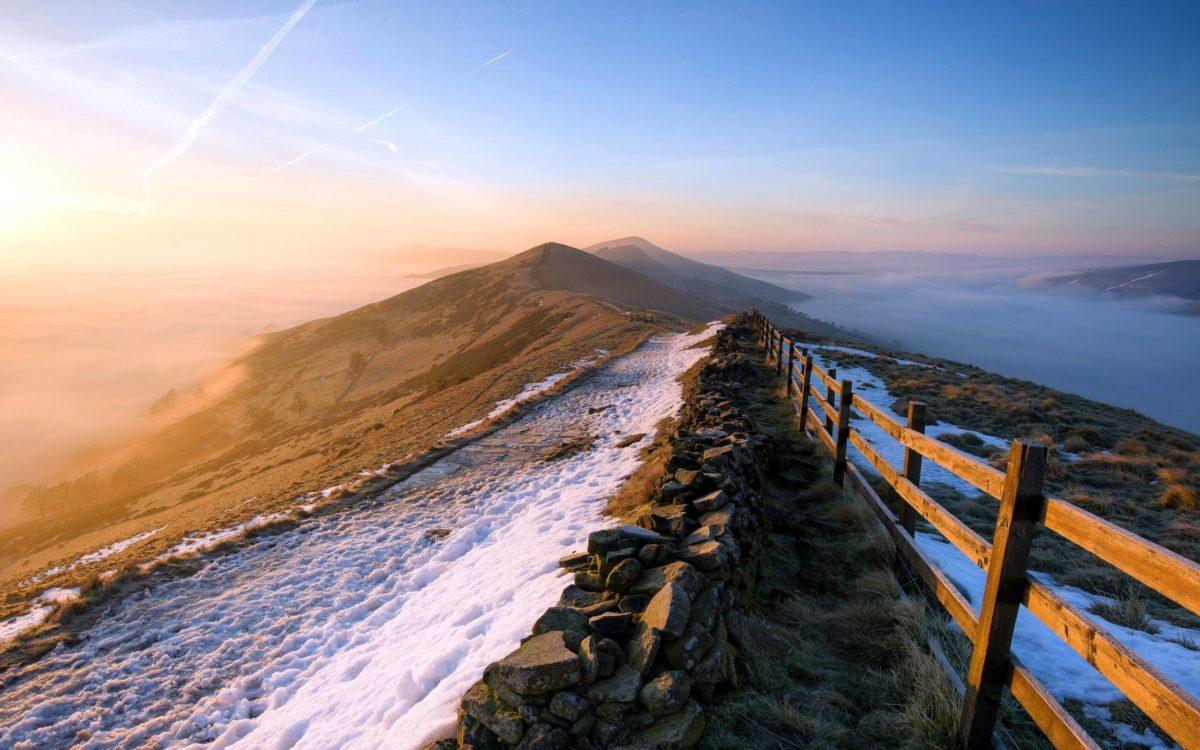 2560×1600 Sunrise mountain Wallpaper
