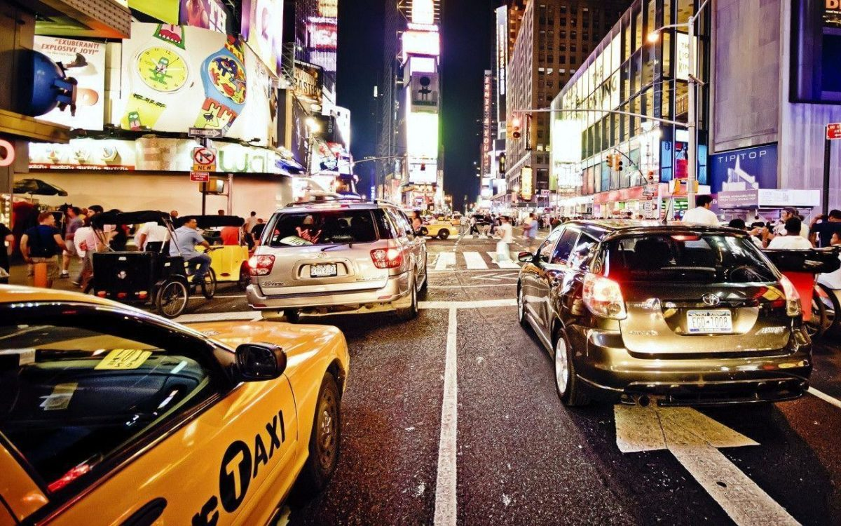 New York City Traffic at Night Wallpaper « Wallpaperz.