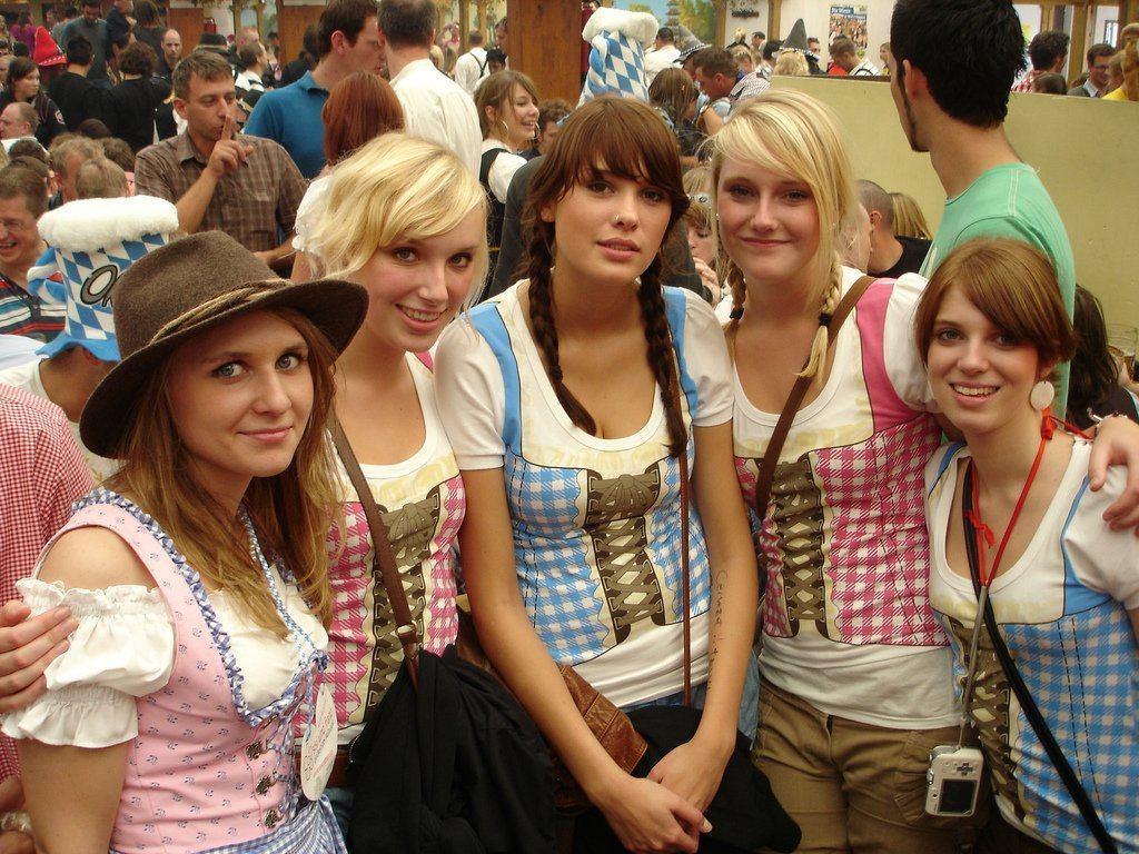 Oktoberfest – Daily Backgrounds in HD