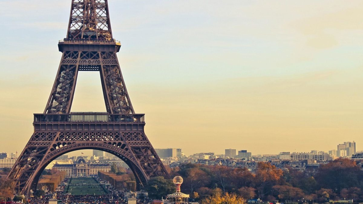 Eiffel Tower Paris Full HD Background Wallpapers