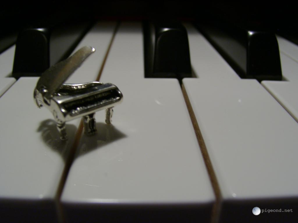 pigeond.net – wallpapers – piano