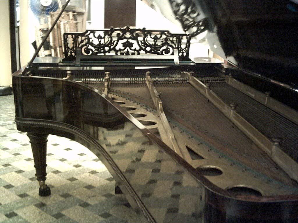 Grand Piano Wallpaper Hd Background Wallpaper 28 HD Wallpapers …