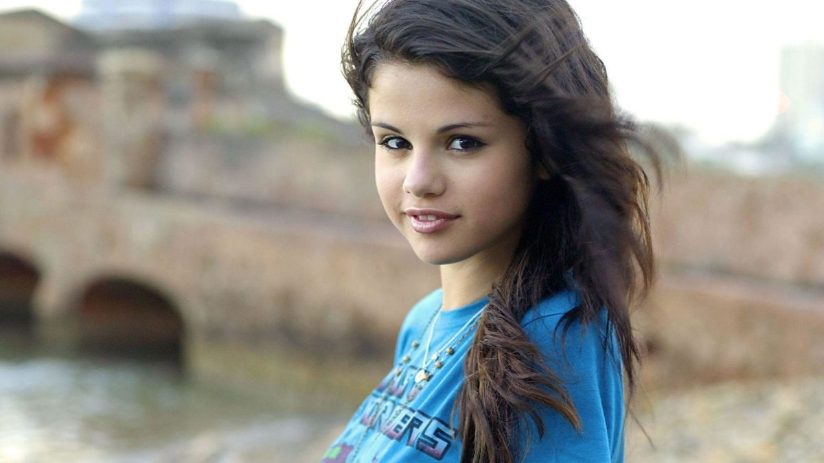 Selena Gomez Cool HD Wallpapers Picture on ScreenCrot.