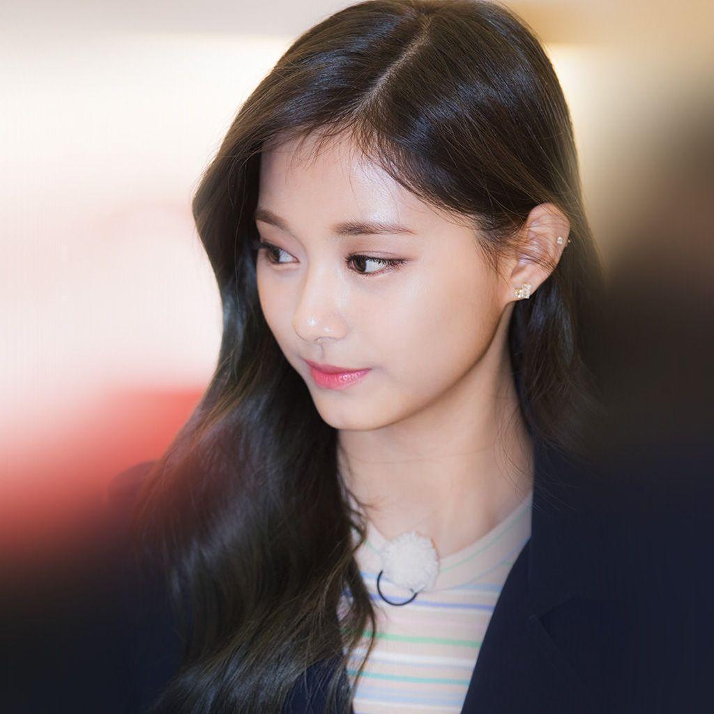 I Love Papers   hl08-kpop-tzuyu-twice-girl-cute