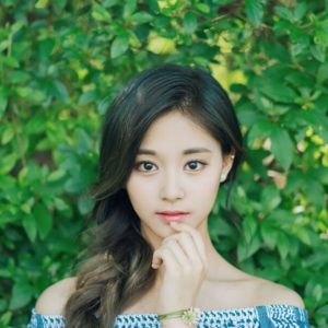 download Tzuyu (Chou Tzu-yu) | 50 Wallpapers #2