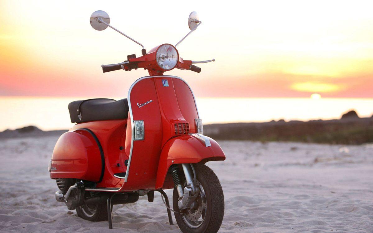 A Vespa PX 125 motorcycles HD Wallpaper 2560×1600 | Hot HD Wallpaper