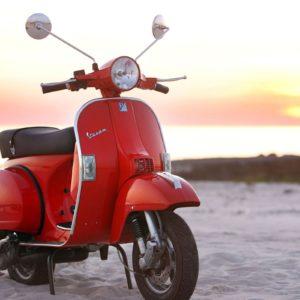 download A Vespa PX 125 motorcycles HD Wallpaper 2560×1600   Hot HD Wallpaper