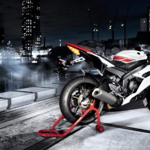 download 2014 Yamaha YZF-R6 Wallpapers